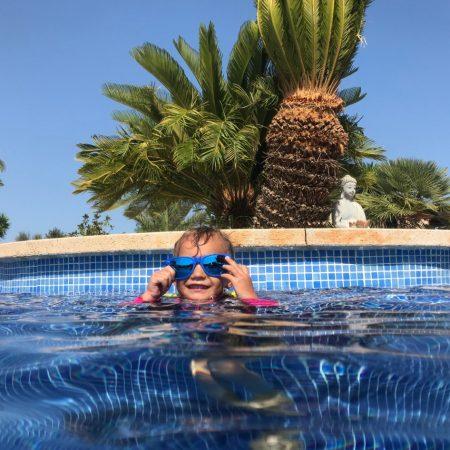 fiinca_sa_tanca-pool-spielen